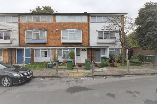 Thumbnail Maisonette to rent in Fairby Road, London
