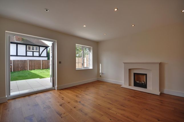 Thumbnail Semi-detached house to rent in Pinner Hill Road, Pinner, Middlesex