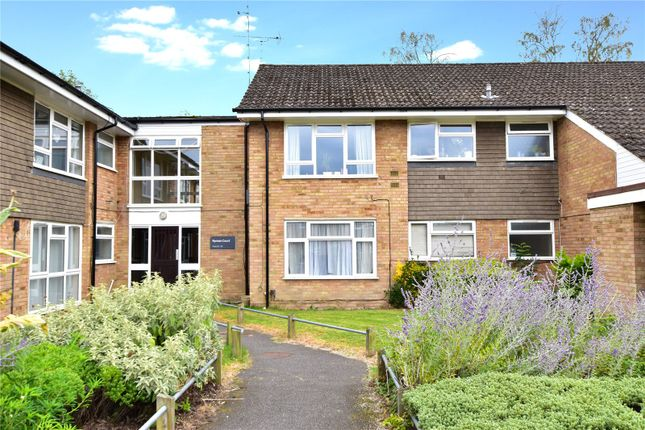 1 bed flat for sale in Ryman Court, Stag Lane, Chorleywood, Hertfordshire WD3