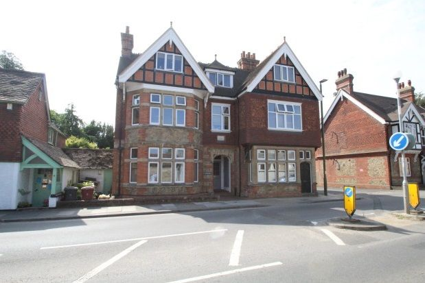 Thumbnail Flat to rent in Bepton Road, Midhurst