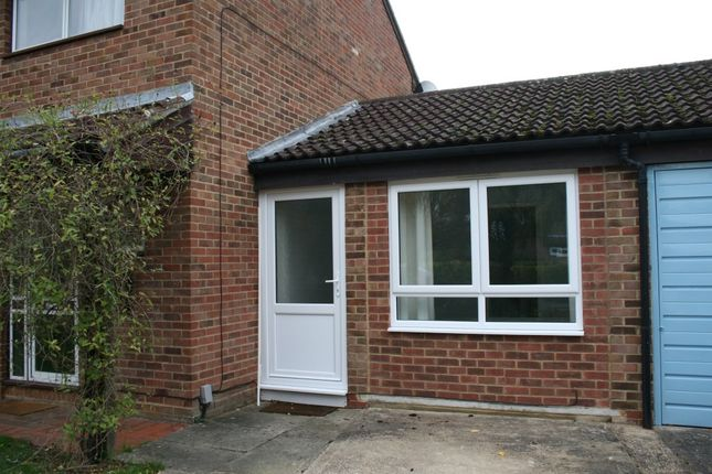 Thumbnail Flat to rent in Broad Close, Kidlington