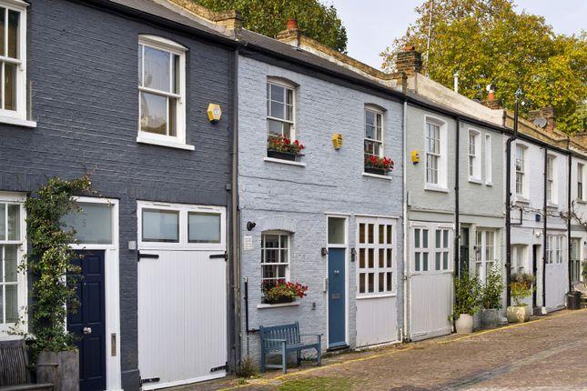 Thumbnail Property to rent in Pembridge Mews, London