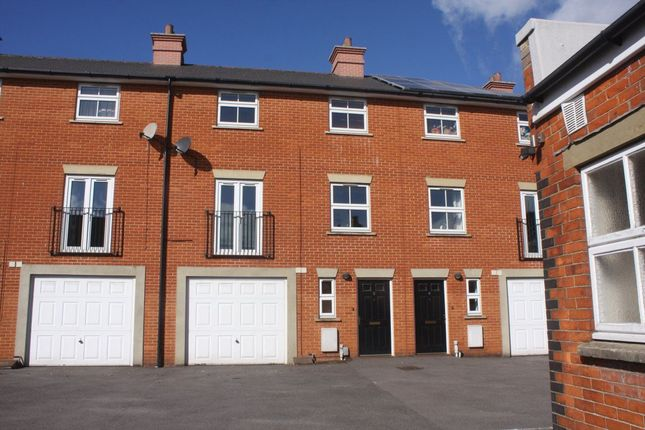 Thumbnail Town house to rent in Sovereign Court, Salisbury