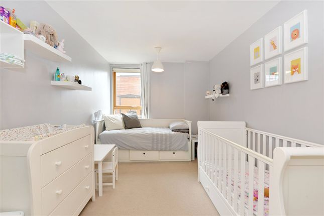 Bedroom 2 of Phoenix Heights East, 4 Mastmaker Road, London E14
