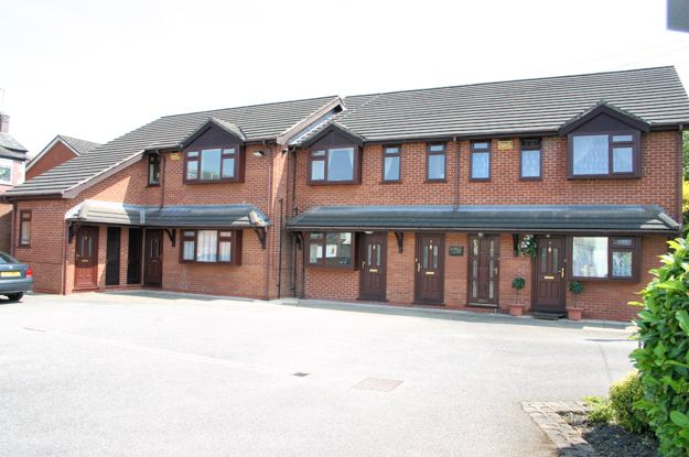 Thumbnail Flat to rent in Newbourne Close, Hazel Grove, Stockport, Cheshire