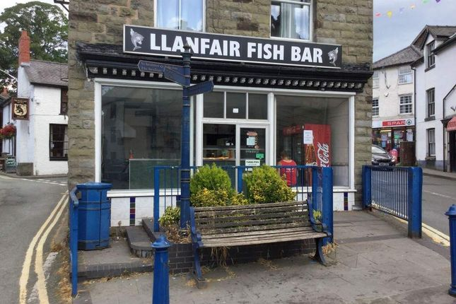 Thumbnail Restaurant/cafe for sale in Bridge Street, Llanfair Caereinion, Welshpool