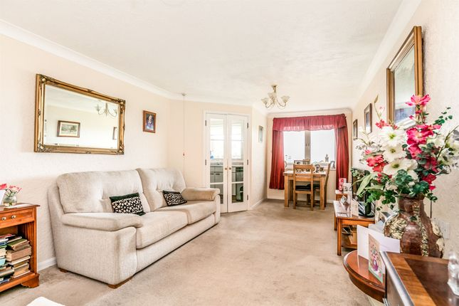 Thumbnail Property for sale in St. Peters Close, Hove