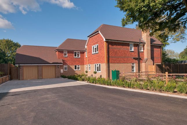Thumbnail Detached house for sale in Blacksmith Court, Bredhurst