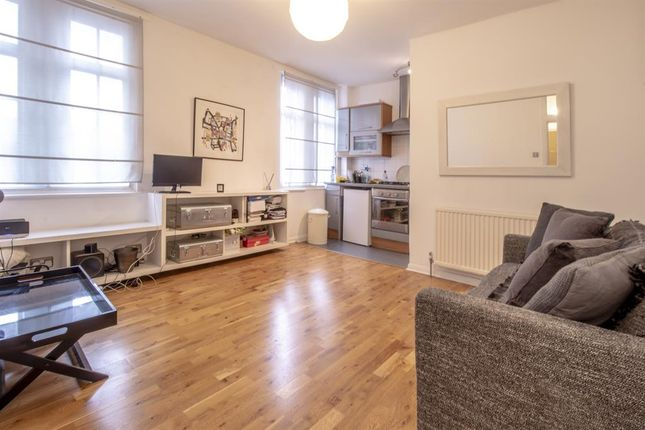 Thumbnail Flat to rent in Fairchild Place, London