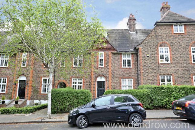 Thumbnail Property for sale in Winscombe Crescent, Ealing, London