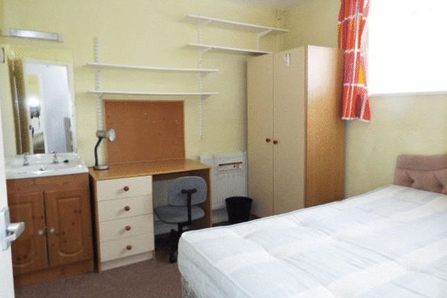 Thumbnail Terraced house to rent in Metchley Drive, Harborne, Birmingham
