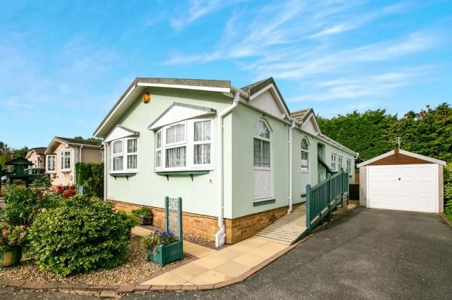 Thumbnail Mobile/park home for sale in Long Close, Station Road, Lower Stondon, Beds