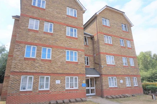 Thumbnail Flat for sale in Woburn Close, Thamesmead North, London