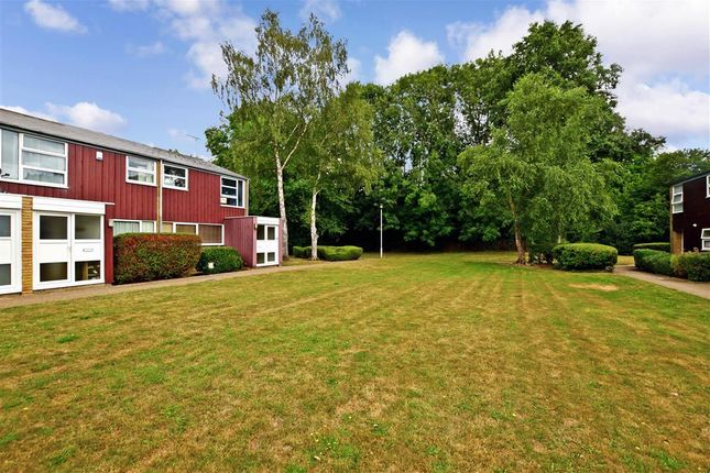 Surrounding Area of Millfield, New Ash Green, Longfield, Kent DA3