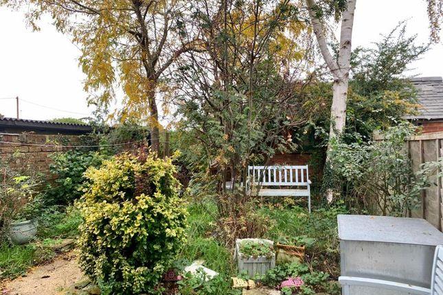 Garden of Main Street, Merton OX25