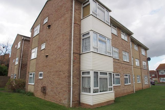 Thumbnail Flat to rent in Beachcroft Place, Lancing