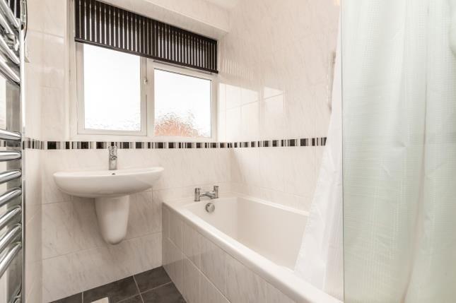 Bathroom of Frances Avenue, Warwick, Warwickshire CV34
