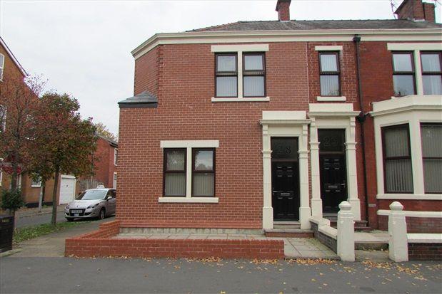 5 bed property for sale in Broadgate, Preston