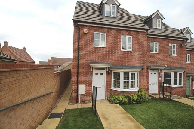 Thumbnail Town house to rent in Sudbury Road, Grantham