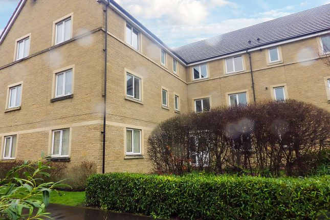 2 bed flat to rent in Harrier Close, Calne, Wiltshire