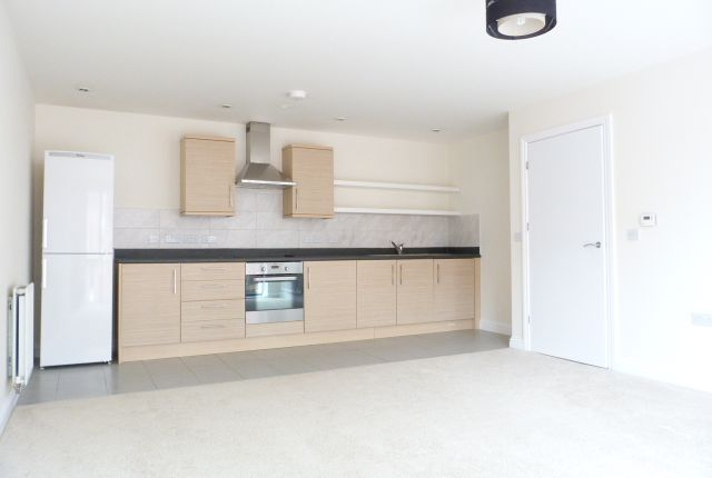 2 bed flat to rent in Pulse Development, Colindale