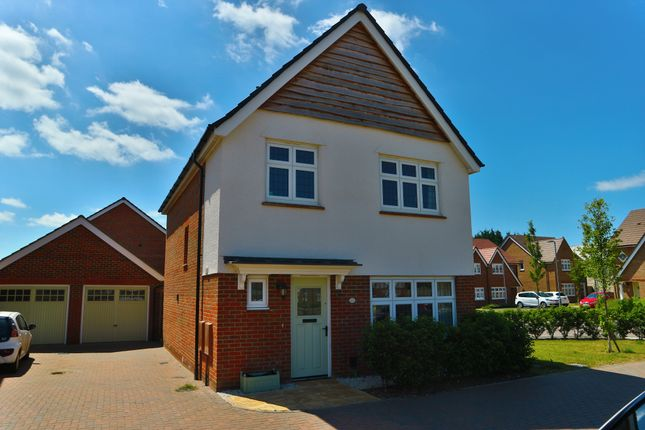 Thumbnail Detached house to rent in Gemini Road, Woodley, Reading, Berkshire