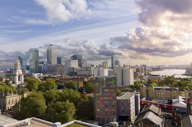 2 bed flat for sale in Commercial Road, Canary Wharf, London