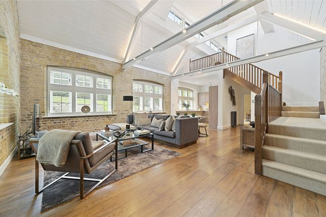 Thumbnail Property for sale in Myers Court, The Galleries, Brentwood, Essex