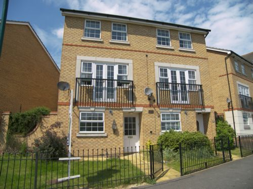 Thumbnail Town house to rent in Lakeview Way, Hampton Hargate
