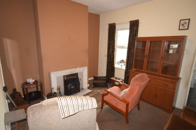 Living Room of Sutherland Street, Barrow-In-Furness LA14