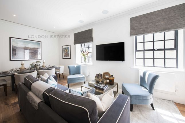 Thumbnail Triplex to rent in Rainville Road, Fulham