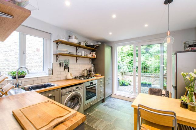 Flat for sale in Harbut Road, St John's Hill