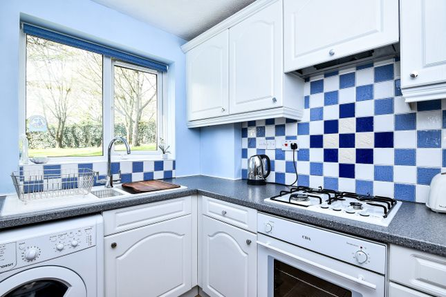 Thumbnail Flat for sale in Darwin Close, London