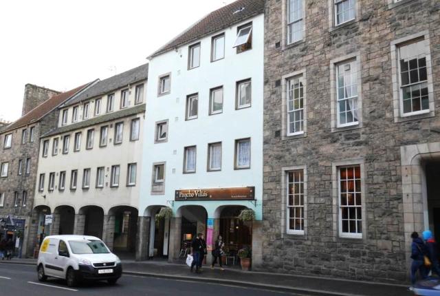 Thumbnail Flat to rent in Canongate, Edinburgh