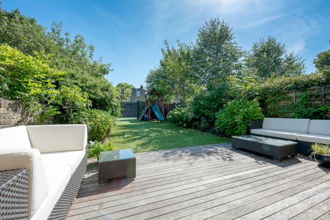 Thumbnail Terraced house for sale in Geraldine Road, London