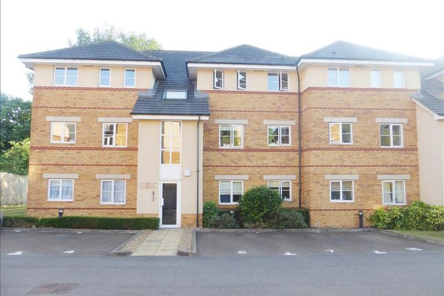 Thumbnail Flat to rent in Ebberns Road, Hemel Hempstead