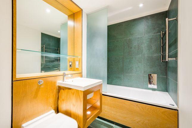 Bathroom of Hermitage Street, London W2