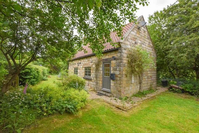 Thumbnail Cottage for sale in Beckhole, Whitby