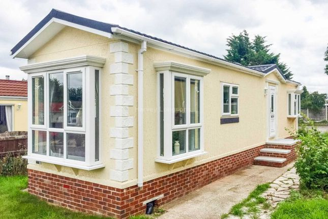 Thumbnail Mobile Park Home For Sale In Chapel Farm Guildford Road