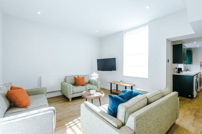 Thumbnail Shared accommodation to rent in Clayton Park Square, Newcastle
