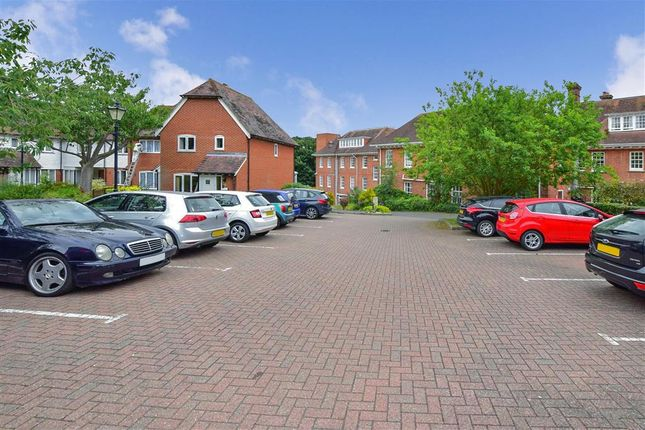 Driveway/Parking of Tanners Hill, Hythe, Kent CT21