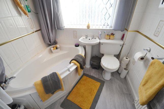 Bathroom 1 of Devon Drive, Pembroke SA71