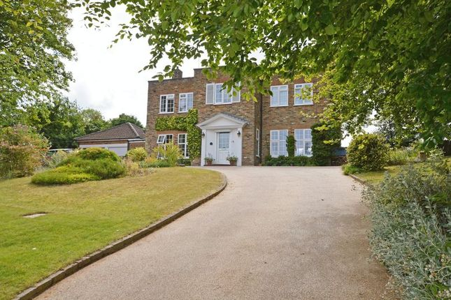 Thumbnail Detached house for sale in Backing Field In Ashdell Park, Alton, Hampshire