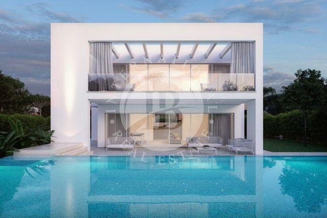 Thumbnail Villa for sale in Forte Dei Marmi, 55042, Italy