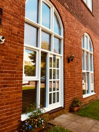 Thumbnail Flat for sale in Sweyne Avenue, Southend-On-Sea