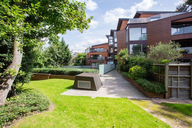 6-Oak-Lodge-18-8 of West Heath Road, London NW3