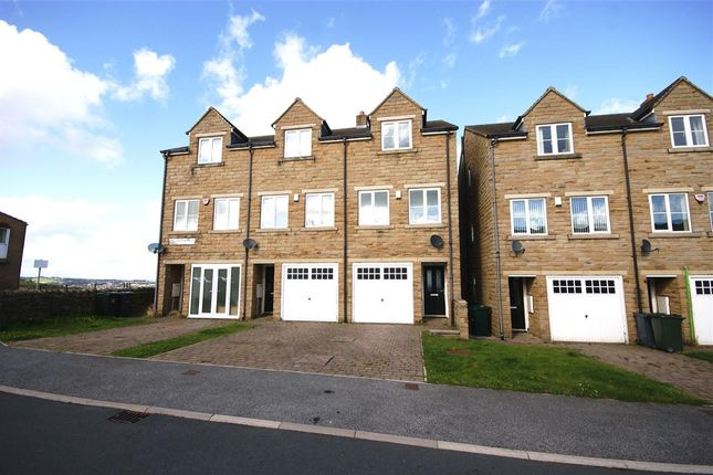 Thumbnail Town house to rent in Highgate Mill Fold, Queensbury, Bradford