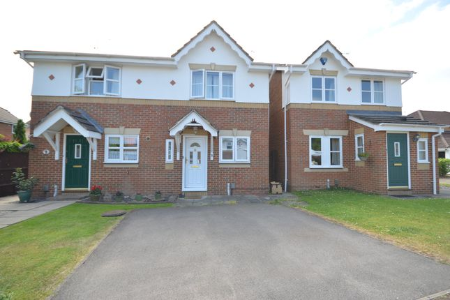 2 bed detached house to rent in Phillips Close, Tongham, Farnham GU10