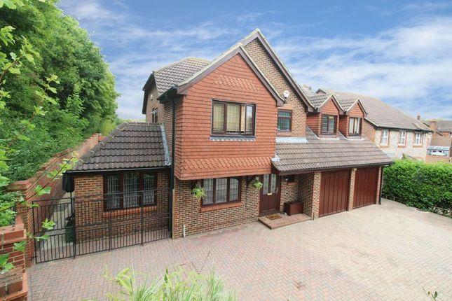 Thumbnail Detached house for sale in Tennyson Close, Horsham