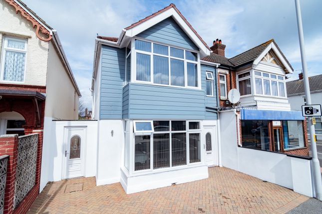 Room to rent in Viewpoint, 15 Constitution Hill Road, Poole BH14
